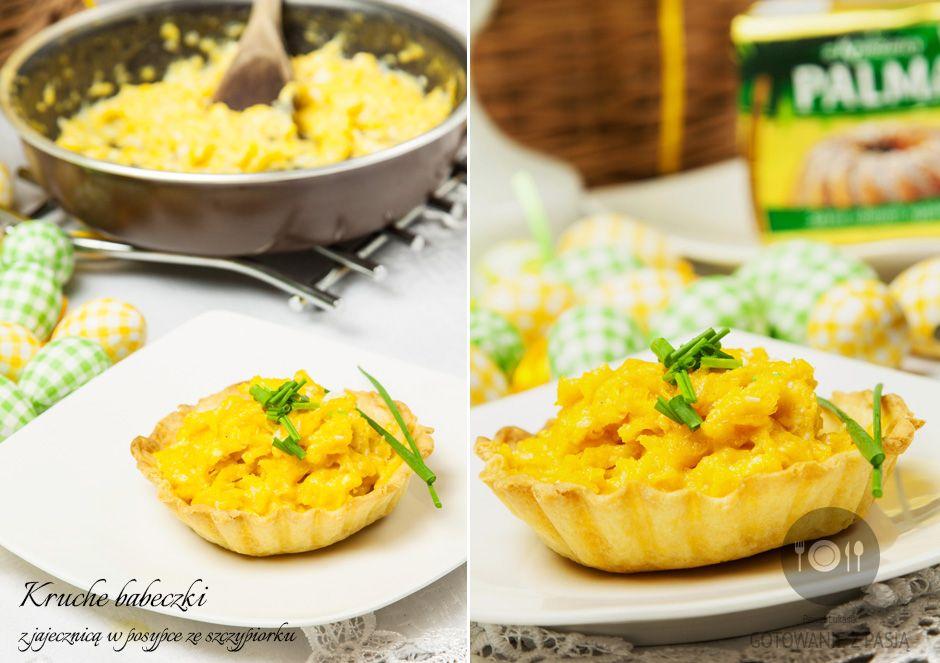 Kruche babeczki z jajecznicą w posypce ze szczypiorku