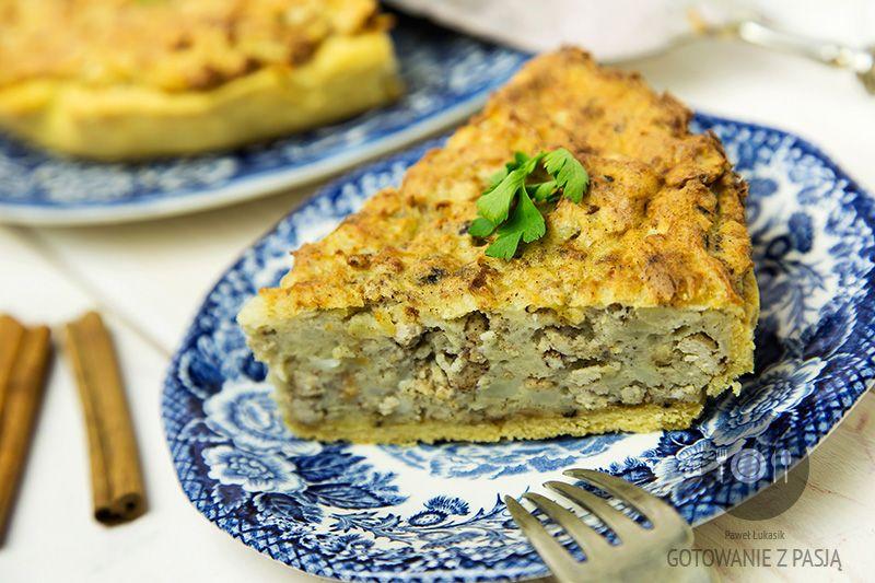 Tarta z mielonym schabem podsmażanym z cynamonem oraz puree  ziemniaczanym z cebulką