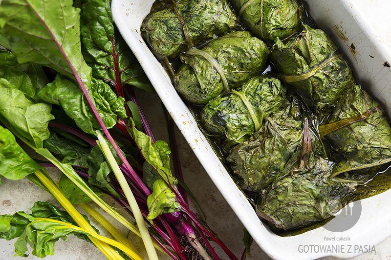 Gołąbki z kolorowych liści boćwiny z krewetkami i dwoma rodzajami ryżu