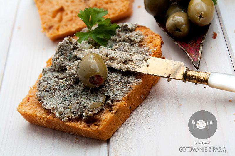 Pasta pieczarkowo-oliwkowa z pietruszką