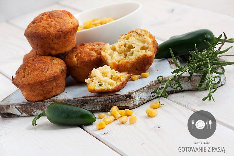 Muffinki na mące pszenno-kukurydzianej z ziarnami kukurydzy oraz  jalapeno