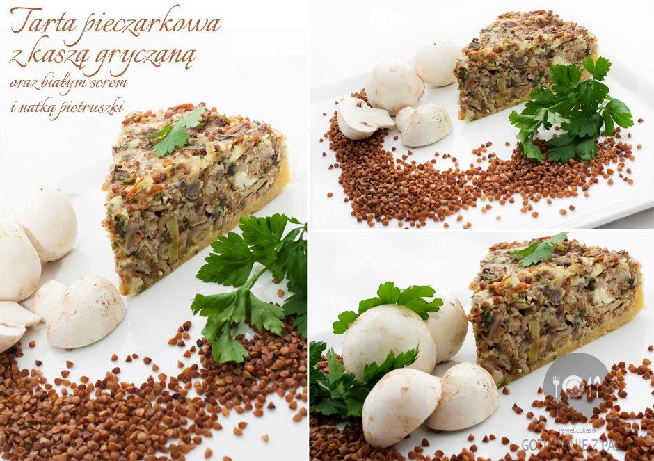 Tarta pieczarkowa z kaszą gryczaną oraz białym serem i natką pietruszki