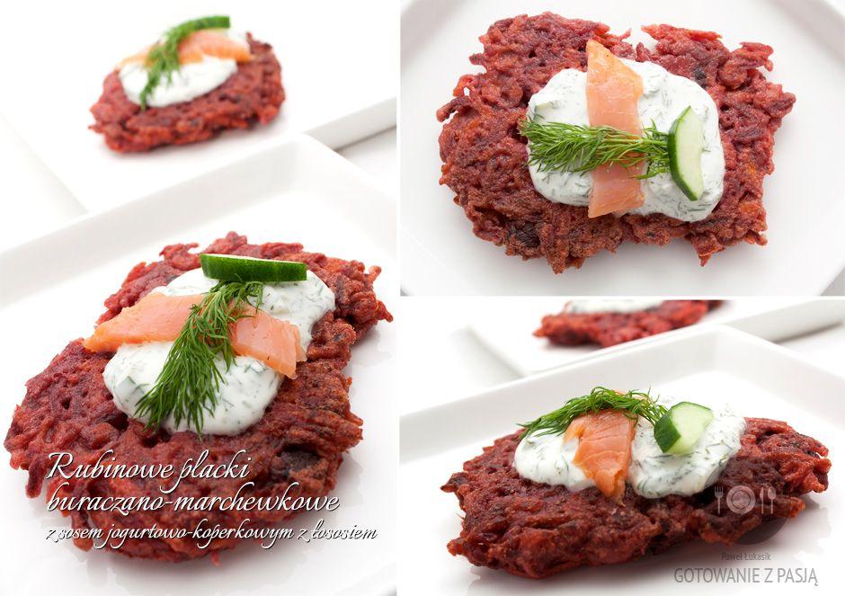 Rubinowe placki buraczano-marchewkowe z sosem jogurtowo-koperkowym z łososiemRubinowe placki buraczano-marchewkowe z sosem jogurtowo-koperkowym z łososiem