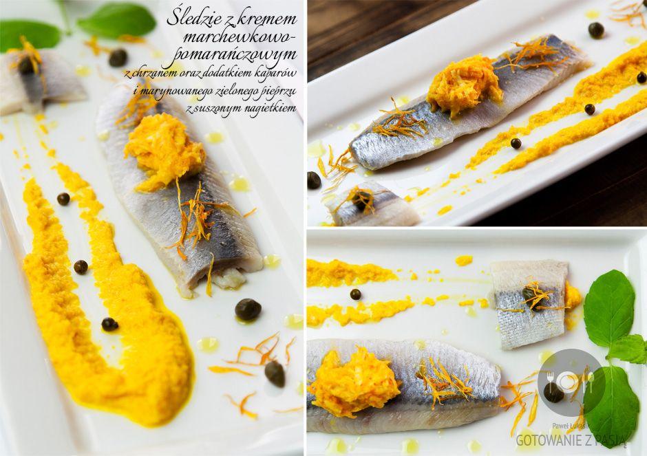 Śledzie z kremem marchewkowo-pomarańczowym z chrzanem oraz dodatkiem  kaparów i marynowanego zielonego pieprzu z suszonym nagietkiem