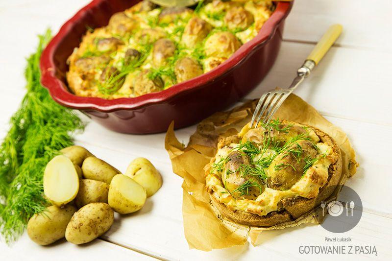 Tarta z młodych ziemniaczków z boczkiem i koperkiem z sosem vinaigrette